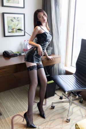 皮衣美女黑丝美腿大尺度翘臀美胸性感女神尤蜜荟-[梦心玥]超高清写真图片 1620260088更新