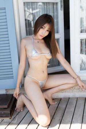 三点式比基尼美胸翘臀丁字裤大尺度性感女神魅妍社-[芝芝Booty]超高清写真图片|1620223059更新