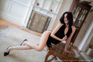 丝袜美腿翘臀短发美女美胸御姐美女模特秀人网-[就是阿朱啊]超高清写真图片|1620308026更新