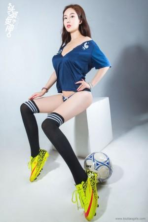 足球宝贝长筒袜翘臀美胸御姐头条女神-[易阳Silvia]超高清写真图片 1620345822更新