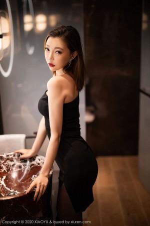 美女车模露肩黑丝美腿内衣诱惑翘臀性感女神语画界-[冯木木LRIS]超高清写真图片|1620440470更新
