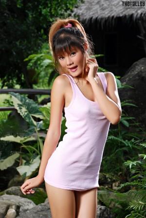 VOL.925 Jennifer Lim《小背心人体外拍》 [TBA/黑巷]高品质壁纸大图