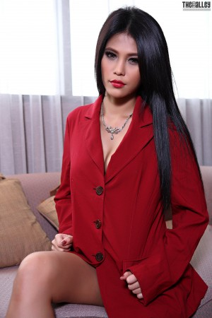 VOL.545 Jinny Yun《红色西装的诱惑》 [TBA/黑巷]高品质壁纸大图