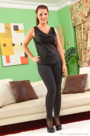 VOL.314 [OnlyTease] Eva N 巨乳紧身裤美女高品质壁纸大图