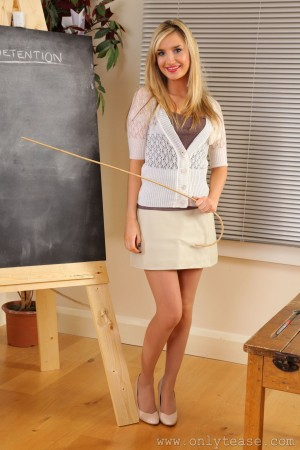 VOL.409 [OnlyTease丝袜] Debra K《金发美女老师》高品质壁纸大图
