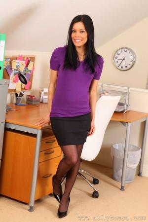 VOL.635 [OnlyTease丝袜] Ashleigh Clare 办公室黑丝诱惑高品质壁纸大图