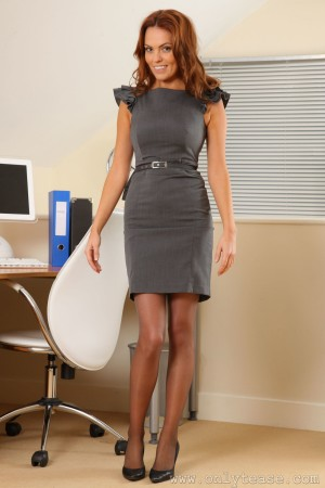 VOL.786 [OnlyTease] Kim B 灰丝套裙美腿高品质壁纸大图