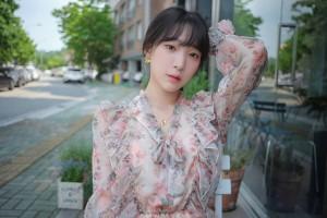 VOL.802 [ARTGRAVIA] 姜仁卿 - 花裙少女的诱惑高品质壁纸大图