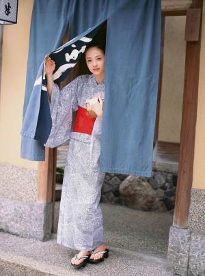 VOL.597 [VYJ]和服唯美正妹日本嫩模:逢泽莉娜(逢沢りな)高品质写真套图(49P)