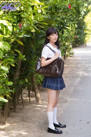 VOL.622 [Minisuka.tv]户外美女清纯少女学生装:西野小春高品质写真套图(80P)