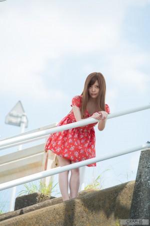 VOL.644 [Graphis]清新连衣裙粉嫩女艺人:榊梨梨亚(榊梨々亜さかきりりあ)高品质写真套图(50P)