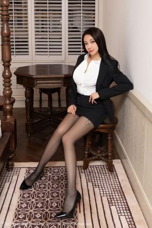 VOL.1306 [秀人网]OL美女黑丝美腿黑丝诱惑:松果儿(闫雪松)高品质写真套图(58P)
