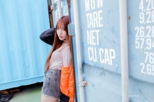 VOL.1546 [台湾正妹]热裤街拍长靴美女街拍美臀:比比儿(Katie Chiu)高品质写真套图(50P)
