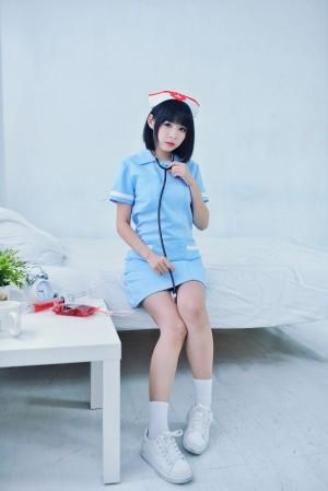 VOL.1028 [台湾正妹]护士制服女仆萌女清纯护士制服:海琳高品质写真套图(40P)