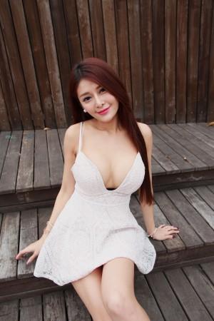 VOL.1463 [台湾正妹]美胸女神巨乳爆乳:安希希高品质写真套图(30P)