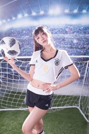 VOL.840 [台湾正妹]足球宝贝少女:乔乔儿(喬喬兒Sylvia)高品质写真套图(34P)