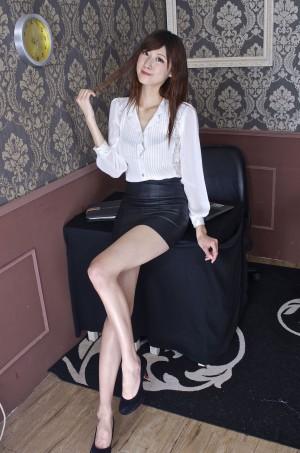 VOL.1888 [台湾正妹]制服:林茉晶(腿模Queena)高品质写真套图(59P)
