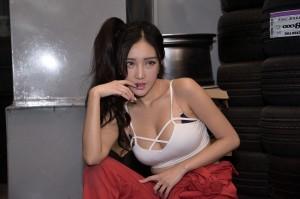 VOL.823 [台湾正妹]COSPLAY妹子香车美女:赵芸(腿模Syuan,Syuan赵芸)高品质写真套图(61P)