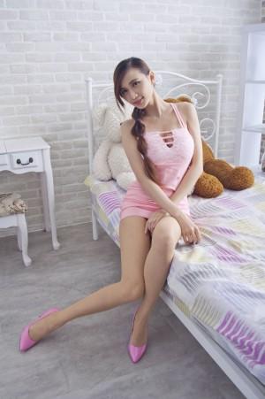 VOL.1698 [台湾正妹]包臀裙美女高跟美腿长腿美女:蔡译心(Candice)高品质写真套图(69P)