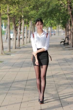 VOL.526 [台湾正妹]清新黑丝户外美女白领丽人:豬比高品质写真套图(39P)