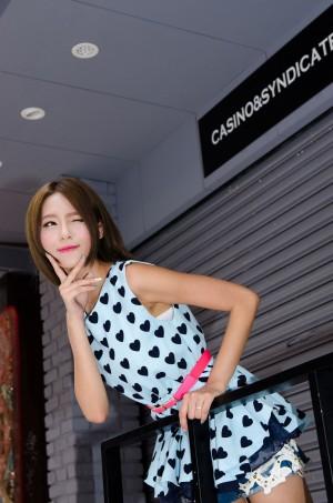 VOL.1736 [台湾正妹]热裤女神街拍长腿美女:Winnie小雪(庄咏惠,庄温妮,腿模Winnie)高品质写真套图(46P)
