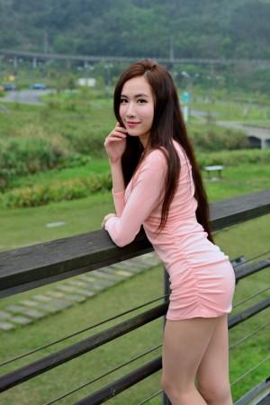 VOL.1114 [台湾正妹]清新御姐户外美女:曾妍希(腿模Dora)高品质写真套图(46P)