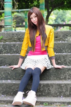 VOL.283 [网络美女]长筒袜可爱超短裙:Winnie小雪(庄咏惠,庄温妮,腿模Winnie)高品质写真套图(32P)