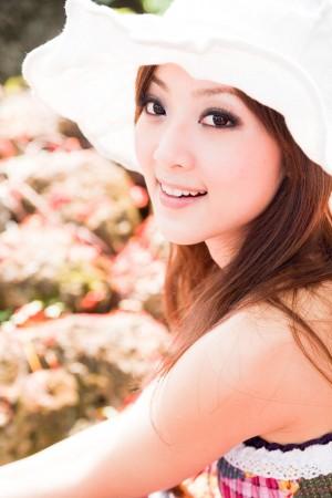VOL.1131 [台湾正妹]清纯清新唯美女神外拍:张凯洁高品质写真套图(79P)