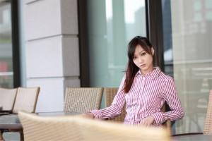 VOL.1618 [台湾正妹]超短裙外拍:陈思婷(腿模Tina,李霜)高品质写真套图(18P)