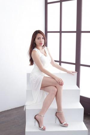 VOL.238 [台湾正妹]长裙高贵:廖羽涵(腿模Alice)高品质写真套图(43P)