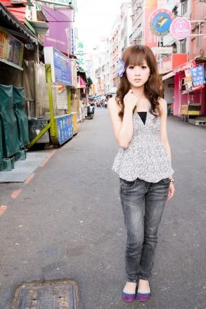 VOL.328 [台湾正妹]清纯街拍正妹:张凯洁(张允霏,果子MM)高品质写真套图(123P)