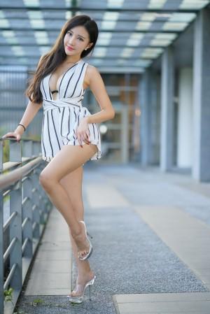 VOL.34 [台湾正妹]性感美女女神御姐街拍高跟凉鞋:赵芸(腿模Syuan,Syuan赵芸)高品质写真套图(107P)
