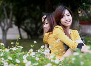 VOL.235 [台湾正妹]可爱清纯外拍妹子姐妹花长发美女:双胞胎姐妹花高品质写真套图(64P)
