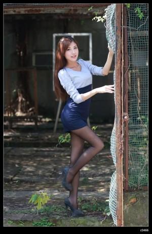 VOL.1801 [台湾正妹]丝袜美腿OL美女黑丝制服:Agant小静高品质写真套图(71P)