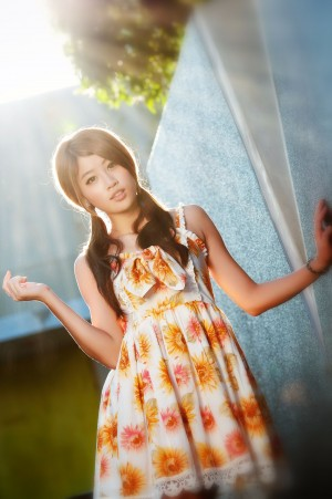 VOL.1386 [台湾正妹]清纯甜美阳光明星长发美女:林真亦(Yuna)高品质写真套图(16P)