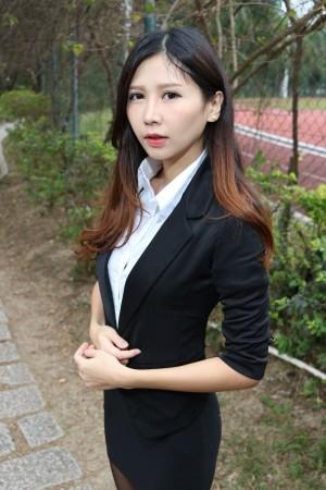 VOL.1085 [台湾正妹]街拍丝袜美腿黑丝OL美女西装美女:Zooey高品质写真套图(40P)