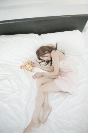 VOL.1042 [台湾正妹]正妹妹子床上:Agant小静高品质写真套图(82P)