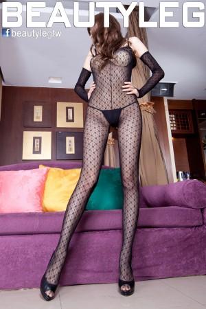 VOL.378 [Beautyleg]丁字裤丝袜美腿情趣丝袜:腿模Linda高品质写真套图(75P)